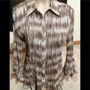 Women's sz Large ESSENTIALS BY MILANO sheer blouse